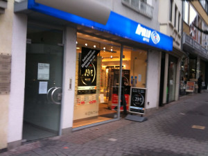 https://www.yelp.com/biz/apollo-optik-bonn-3