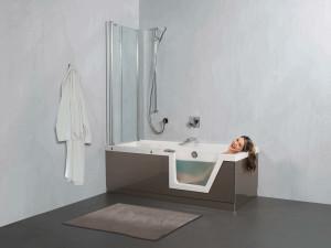 Wannen-Duschanlage mit niedrigen Eintritt