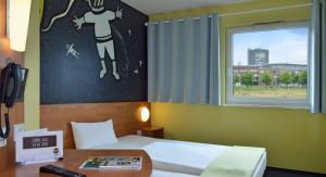 https://www.yelp.com/biz/b-und-b-hotel-oberhausen-am-centro-oberhausen