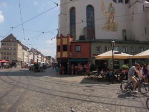 https://www.yelp.com/biz/cafe-goldener-erker-augsburg