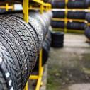 Bild: Das Reifen-Mobil Roland Johren in Bonn