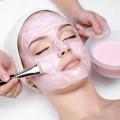 Evelyn Anfang Kosmetikbehandlung