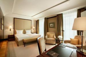 https://www.yelp.com/biz/hotel-adlon-kempinski-berlin-3