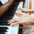Klavierunterricht am See