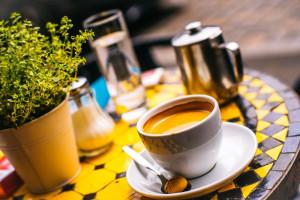 https://www.yelp.com/biz/bar-und-cafe-ludwigs-n%C3%BCrnberg