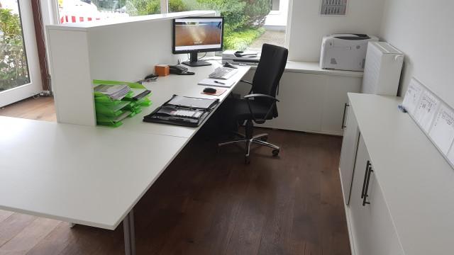 Büro mit Theke