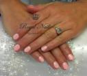 Bild: Royal Nails Nagelstudio & Beauty in München
