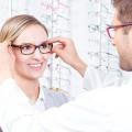 Schwär Brillen und Kontaktlinsen