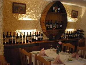 https://www.yelp.com/biz/trattoria-la-romana-neuss