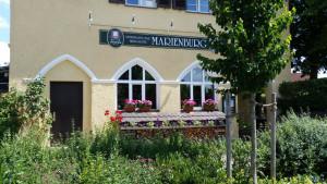 https://www.yelp.com/biz/wirtshaus-zur-marienburg-m%C3%BCnchen