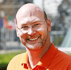 Zahnarzt und Zahntechniker P. Tomovic Aesthetische Zahnheilkunde in Frankfurt Westend